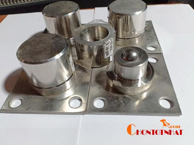 Với những loại cửa ra vào mở quay thì bản lề cối chính là mẫu bản lề được sử dụng phổ biến nhất