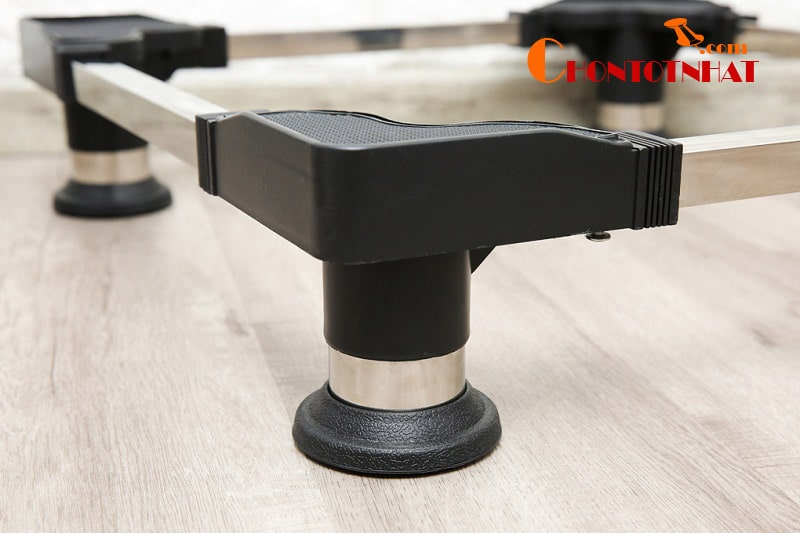 Chân đế máy giặt CD5168DN còn được thiết kế với nhiều nấc điều chỉnh chiều rộng từ 51 - 64cm và chiều dài từ 57 - 68c