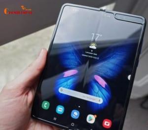 Điện thoại flagship Samsung Galaxy Fold hỗ trợ tính năng sạc pin không dây