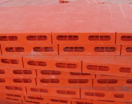 Công ty cung cấp các loại pallet nhựa lót sàn trên toàn quốc